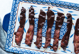 2-Ingredient Keto Snack: Chocolate Bacon